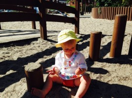 zoe-in-the-sandpit
